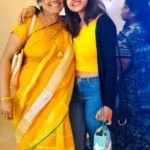 Vithika Sheru with her mother