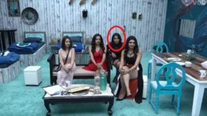 Surbhi Rana with Kriti Verma on the inaugural day of Bigg Boss 12