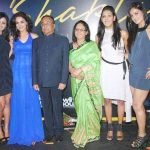 shakti-mohan-with-her-family