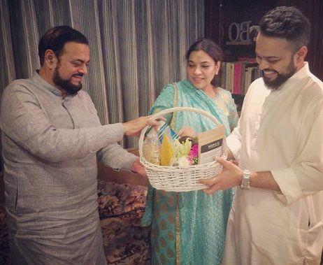 Farhan Azmi with his parents