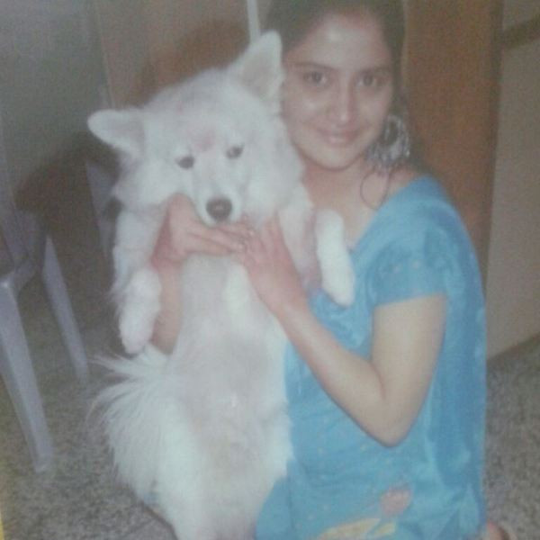 Arti Singh loves dogs