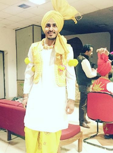 Tyson Sidhu as a Bhangra participant during his college function