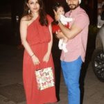 Kunal Khemu with his wife and daughter