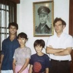 aung-san-suu-kyi-with-his-husband-and-children