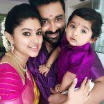 prasanna-with-his-wife-sneha-and-son-vihaan