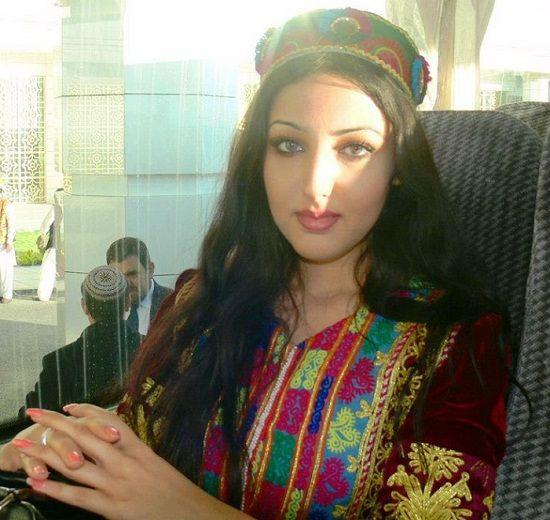 Afghan Singer Seeta Qasemi