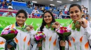 Rahi Sarnobat (L) With Anisa Sayyed (M) and Heena Sidhu (R)
