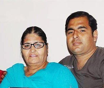 Kapil Sharma mother and brother