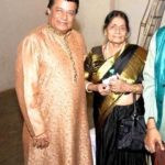 Anup Jalota with his mother