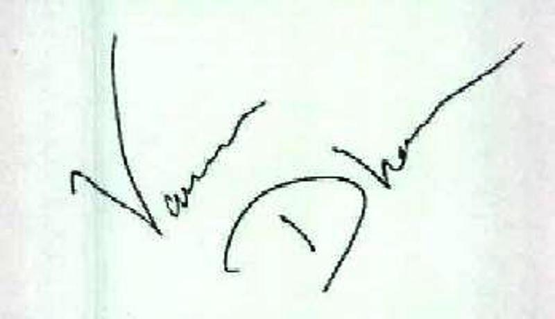 Varun Dhawan's Signature