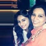 Vedika Bhandari with her mother
