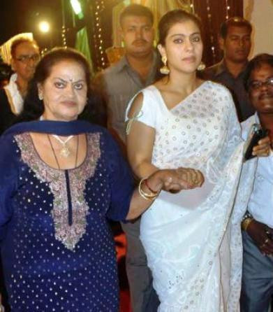 Veena Devgan (Left) with her daughter in law, Kajol