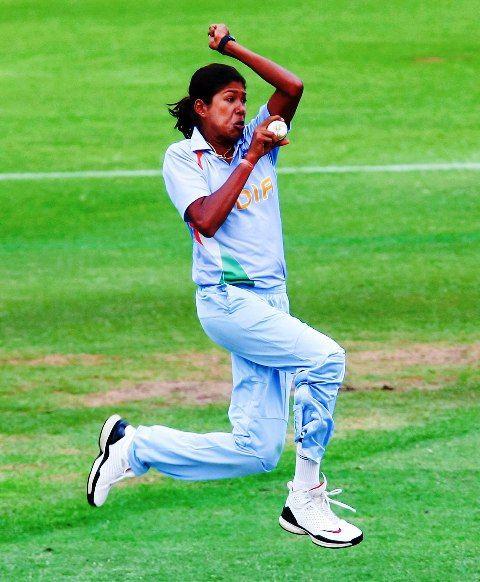 Jhulan Goswami bowling