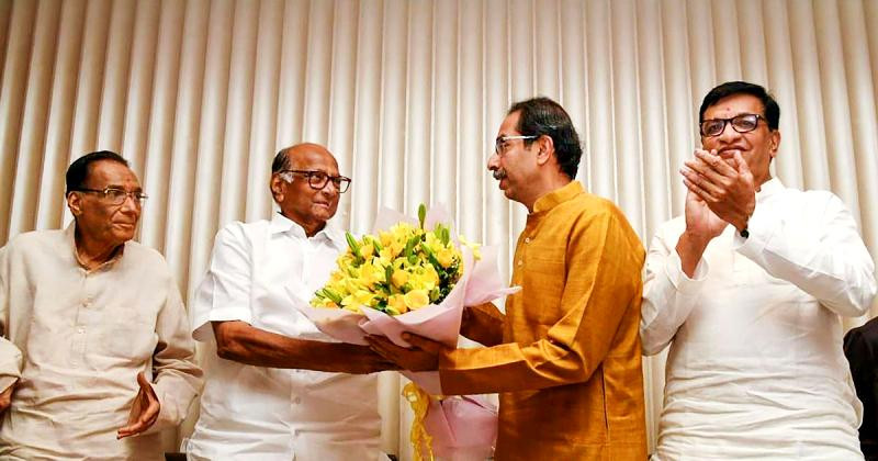Uddhav Thackeray with Sharad Pawar and other political leaders