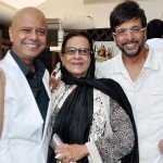 Naved Jaffery with his mother and brother
