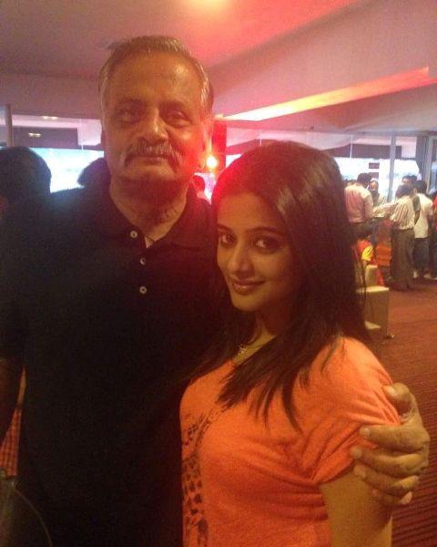 Priyamani with her father