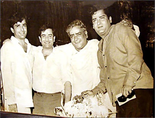 Prithviraj Kapoor With Sons