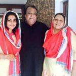 Shamna Kasim With Her Parents