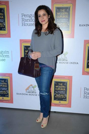 Neelam Kothari at Sonali Bendre's book launch on 3rd March 2016 shown to user