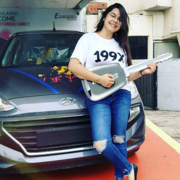Khushali Vyas with Her Car
