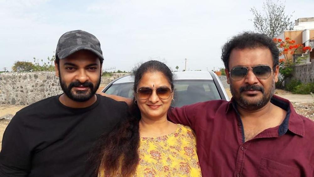Vijaya Chamundeswari with her sons