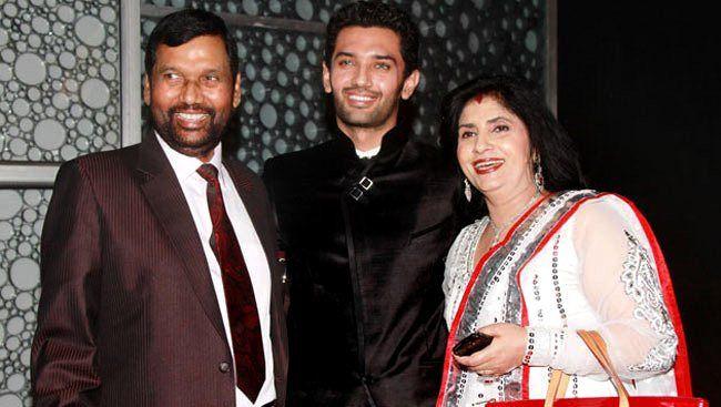 Chirag Paswan with his father Ram Vilas Paswan and his mother Reena Paswan