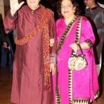 prem-chopra-with-his-wife-uma-chopra