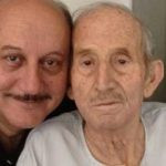 Raju Kher father Pushkarnath Kher and brother Anupam Kher