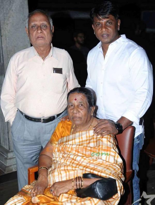 Duniya Vijay with his parents