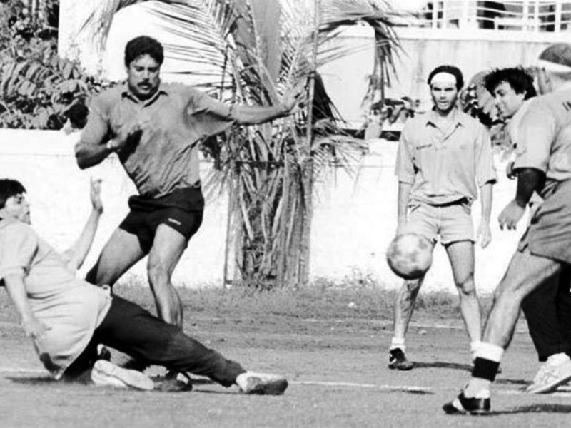 Kapil Dev Playing Football With Shah Rukh Khan