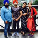 Rohanpreet Singh With His Parents and Sister