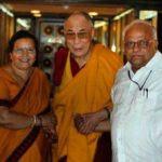 Shilpa Shukla parents with Dalai Lama