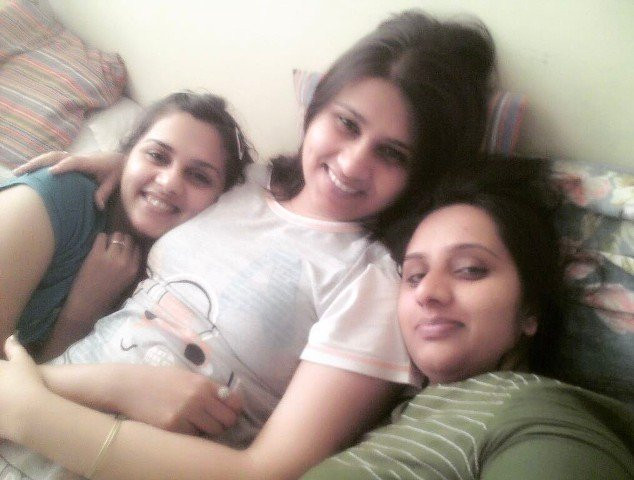 Dalljiet Kaur with her sisters