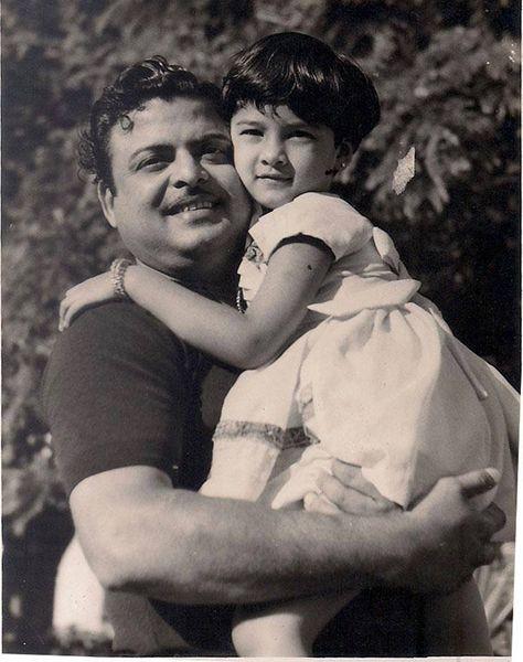 Vijaya Chamundeswari with her father