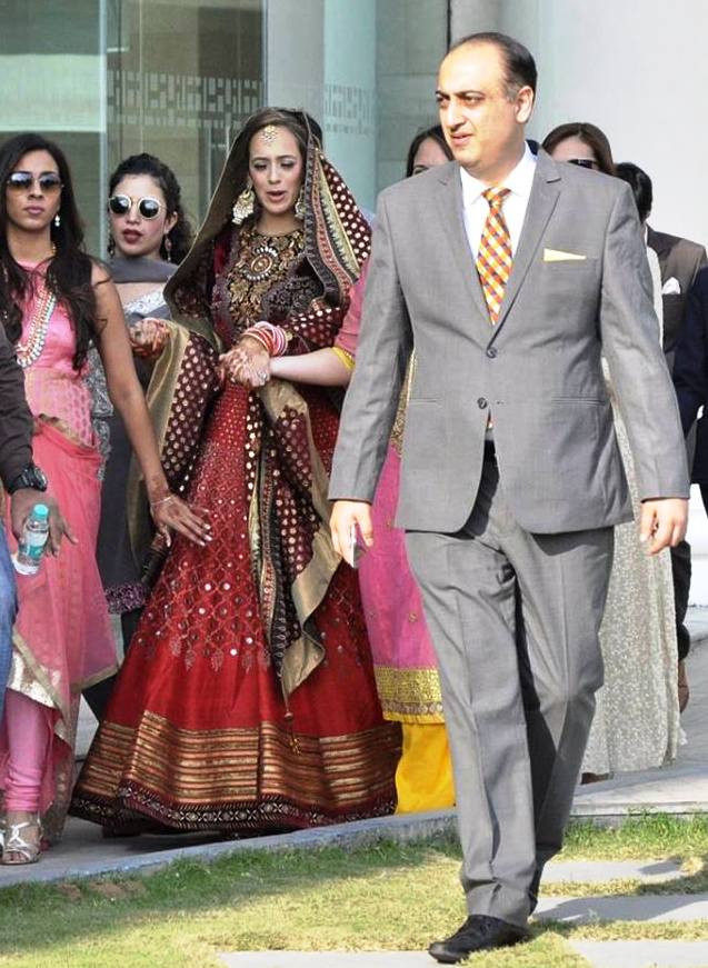 Hazel Keech arrived at the wedding day