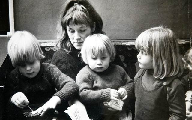 Childhood photo of Boris Johnson, his siblings and mother