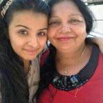 Mahima Makwana with her mother