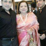 Nihaar Pandya's Parents And Brother