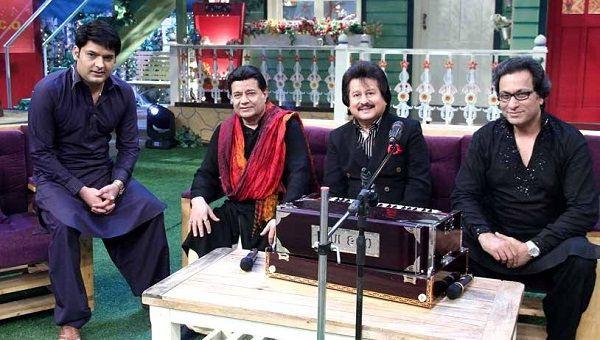 Anup Jalota, along withPankaj Udhas & Talat Aziz, on the set of 'The Kapil Sharma Show'