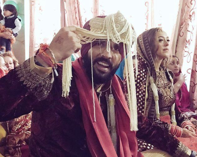 Yuvraj Singh & Hazel Keech performing wedding rituals