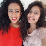 Roshni Devlukia with her Sister