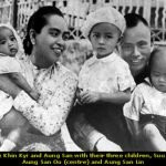 aung-san-suu-kyi-with-her-parents-and-two-brothers
