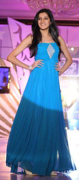 Ashrita Shetty participating in the Clean & Clear Fresh Face competition