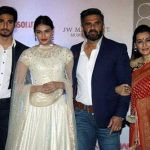 aahan-shetty-with-his-family