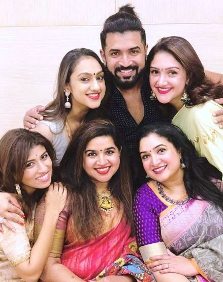 Arun Vijay with His Sisters
