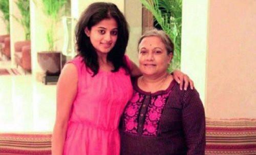 Priyamani with her mother