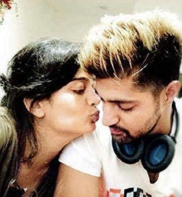 Tanuj Virwani with Akshara Haasan
