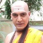 manish-wadhwa-as-chanakya