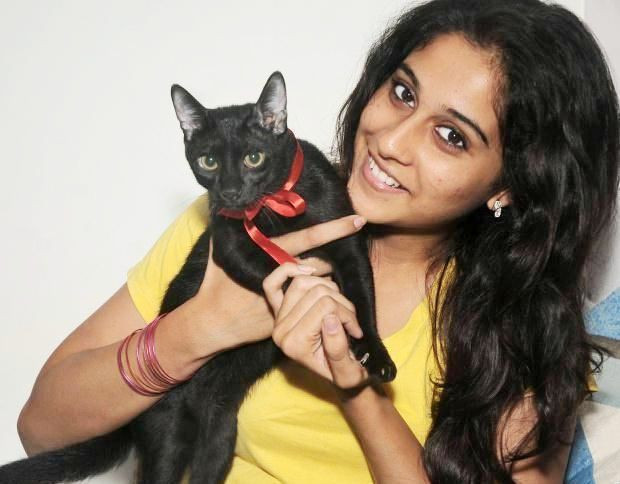 Regina Cassandra With Her Per Cat