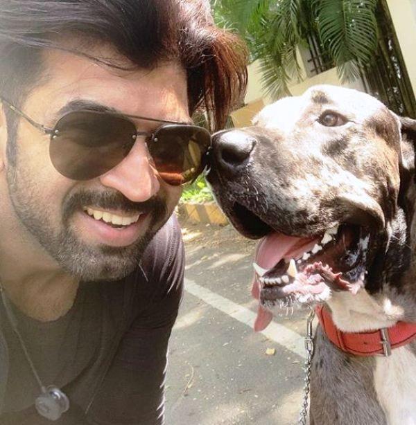 Arun Vijay with His Pet Dog